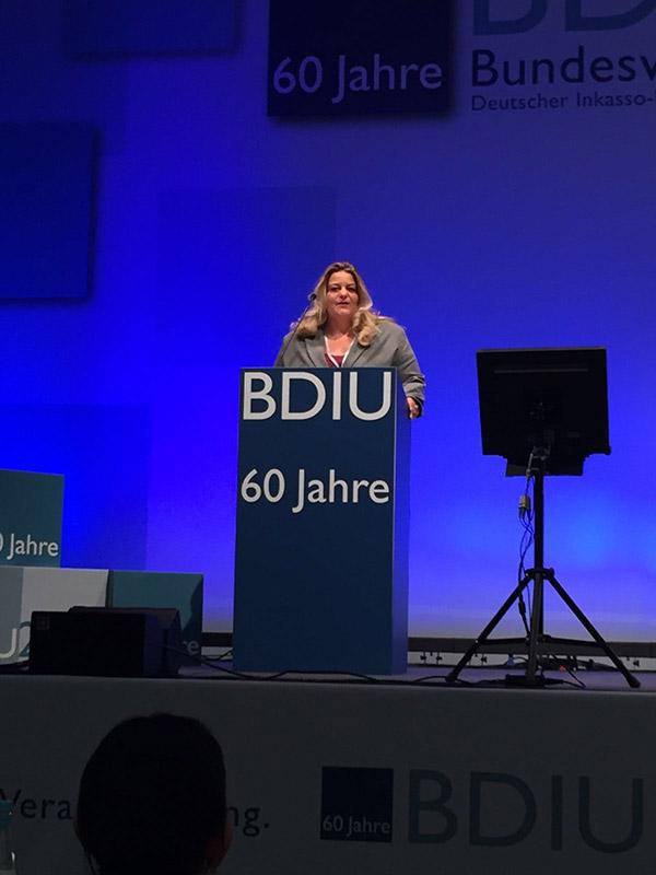 System Inkasso Geschäftsführerin Yvonne Wagner wird in den Vorstand des BDIU in Berlin gewählt